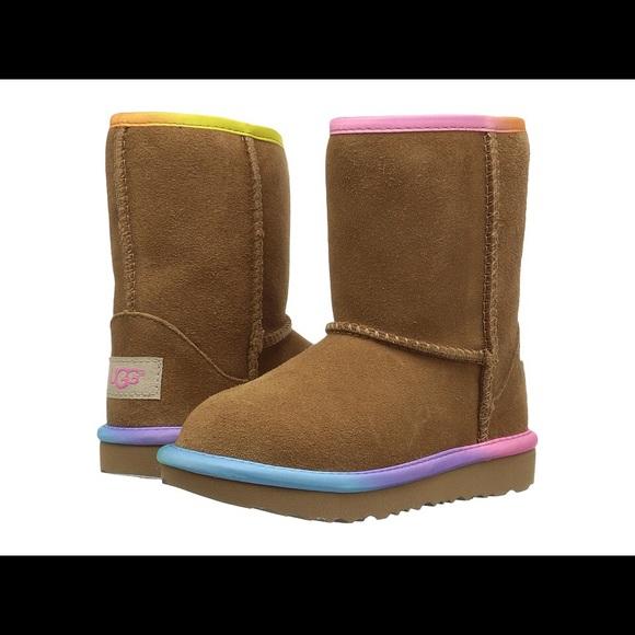 629bfeabb84 UGGS Kids Classic Short Rainbow Size 3